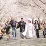 家族みんなで笑顔あふれる結婚写真を撮りましょう!!