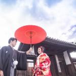相合傘で大阪パワースポットへ!笑顔いっぱいのウェディングフォト
